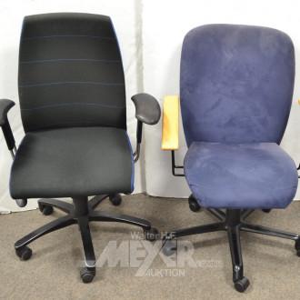 2 div. Armlehn-Bürodrehstühle, Stoff blau