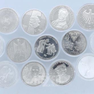 13 Münzen 10 + 20 Euro