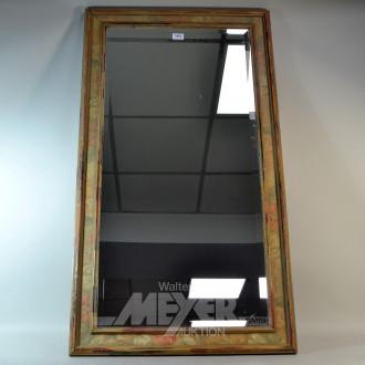facettierter Spiegel im Holzrahmen