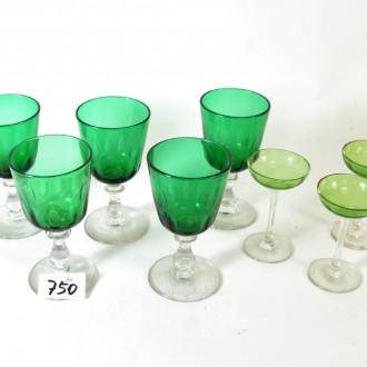 5 farbige Weingläser, grün