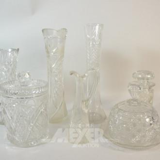 gr. Posten Kristall: Vasen, Käseglocke,