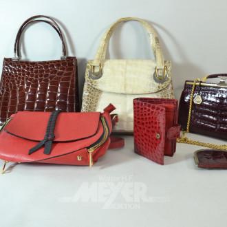 4 Damen-Handtaschen