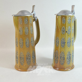 4 Keramik-Krüge mit Zinndeckel