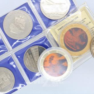 Zigarettenetui, 9 Medaillen-Münzen ?