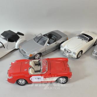12 versch. Modellautos u.a. ''BURAGO''
