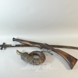 3 Dekorationen: Pistole, Säbel, Pulverhorn