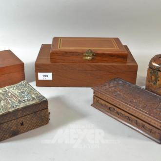 6 Holzschatullen mit Inhalt: