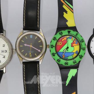 Holzkiste mit 8 Armbanduhren