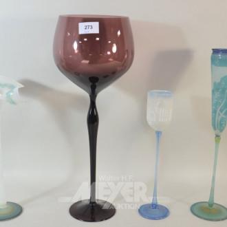 4 versch. Künstler-Glasvasen