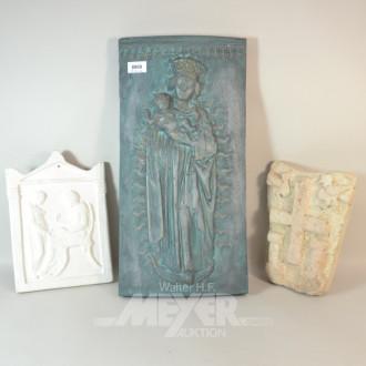 3 Gips Reliefs: ''Das Mahl, Kreuz,
