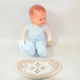 alte Puppe, stark bespielt u.