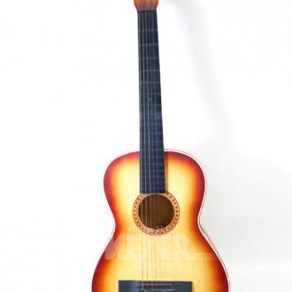 Gitarre mit Gebrauchsspuren