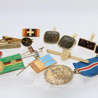 Posten Münzen, Orden und Modeschmuck