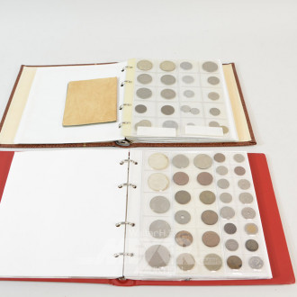 2 Münzalben mit ca. 160 Münzen,