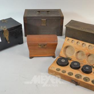 4 div. Holz und Metall-Schatullen