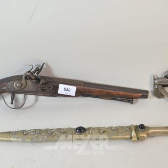 2 Deko-Pistolen und 1 Deko-Dolch