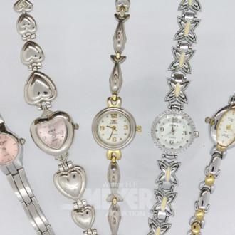 9 Damen-Armbanduhren, 1 Anhängeruhr