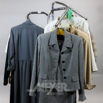 Posten Damenoberbekleidung, u.a.