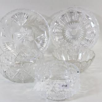 3 Kristall-Schalen und 2 Kuchenteller