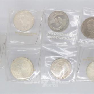 28 D-Mark-Münzen: