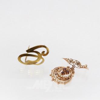 2 Broschen, 333er GG, tlw. mit Perlen