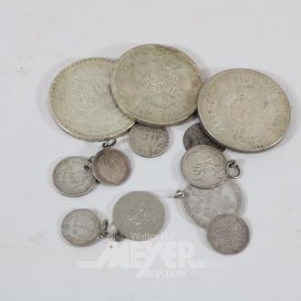 3 Münzen, mexikanische Pesos sowie