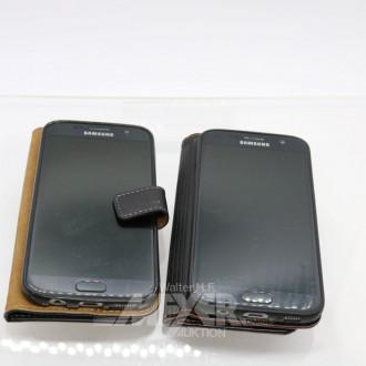 2 Smartphone SAMSUNG mit Ladekabel
